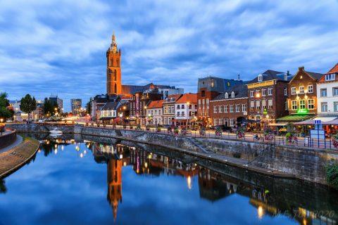 Fietsen over de Hanzefietsroute deel 5: de Rijn over en Nederland weer in